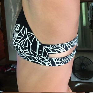 lululemon athletica Swim - Lululemon Swimsuit Top, Rare Find!